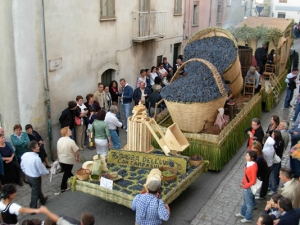 Floats at the Sagra del''Uva festival